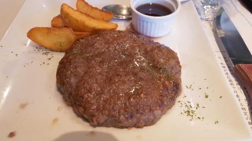 大阪北新地の熟成和牛ハンバーグステーキは、お店イチオシ★★★納得のランチでした